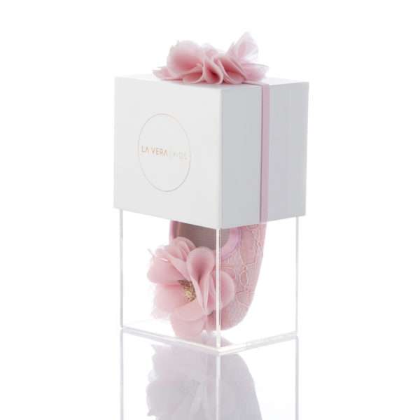 La Vera Kids - Baby Shoe Set - Pink with Pink Flower Headband and Rose Gold Glitter Heart Packaged Side 001