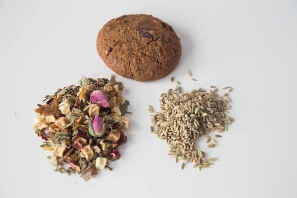 Lifestyle Image - Lactation Tea and Feeding Cookies with Choc Chips