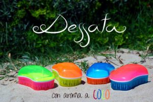 Dessata Detangling Brush - Summer Mini Collection Lifestyle