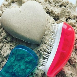 Dessata Detangling Brush - Summer Mini - Fuchsia Turquoise Lifestyle